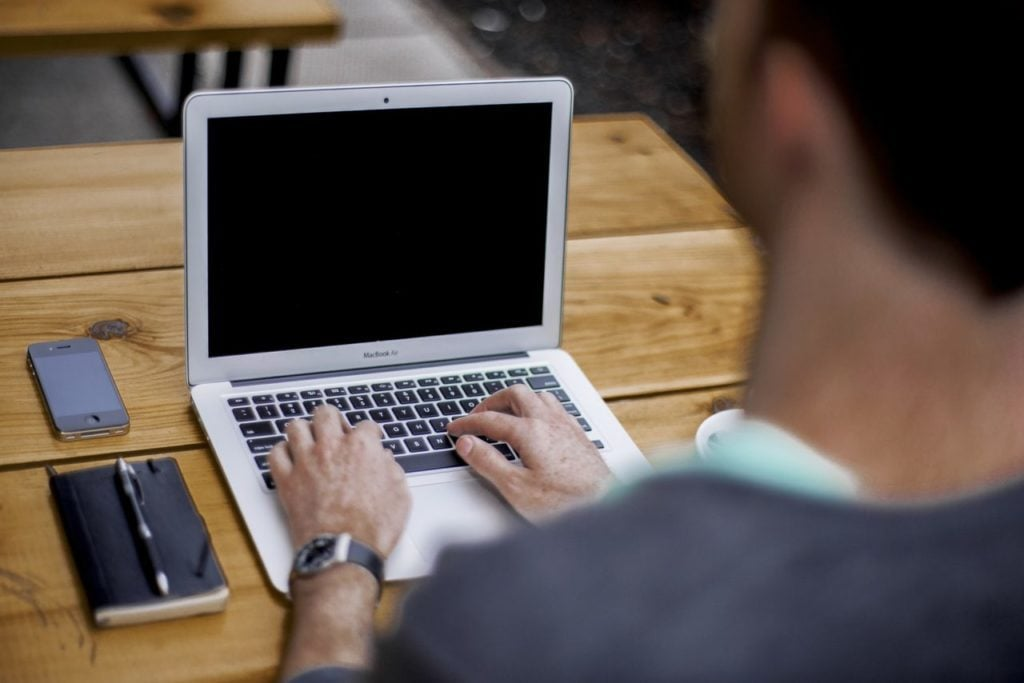 copywriting ukazuje jak Copywriter zapewnia pozycjonowanie stron internetowych, prowadzenie bloga i fanpage i teksty, artykuły