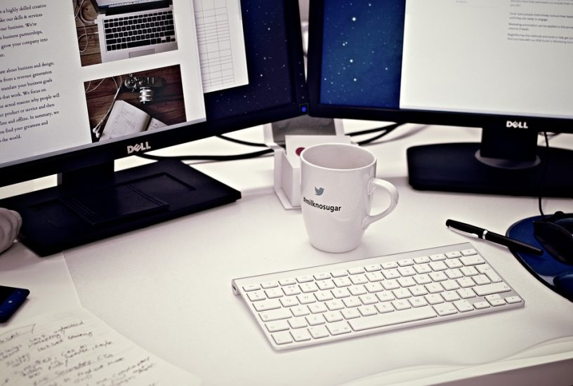 miejsce pracy copywritera, blogera, webmastera, praca przez internet, biuro w domu, organizacja pracy