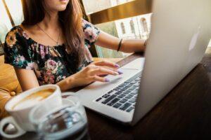 Jak pisać skuteczne teksty reklamowe - nagłówki