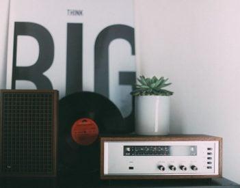 Reklama radiowa a praca dziennikarza i copywritera