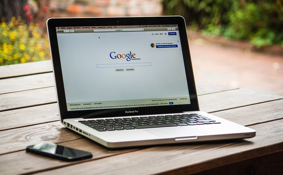 jak google ocenia strony www, aktualizacja Google algorytm Fred, aktualizacja wyszukiwarki google a pozycjonowanie strony www