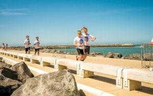 Zalety biegania - bieganie rozszerza znajomości i kontakty