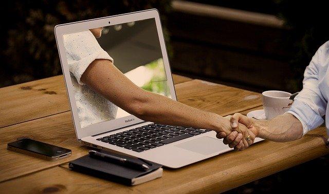 stały kontakt z autorem kursu Tworzenie stron www i bloga WordPress